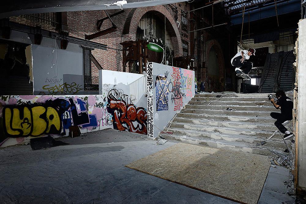 10_skateboarding_mario
