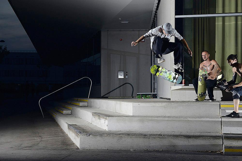 15_skateboarding_niki